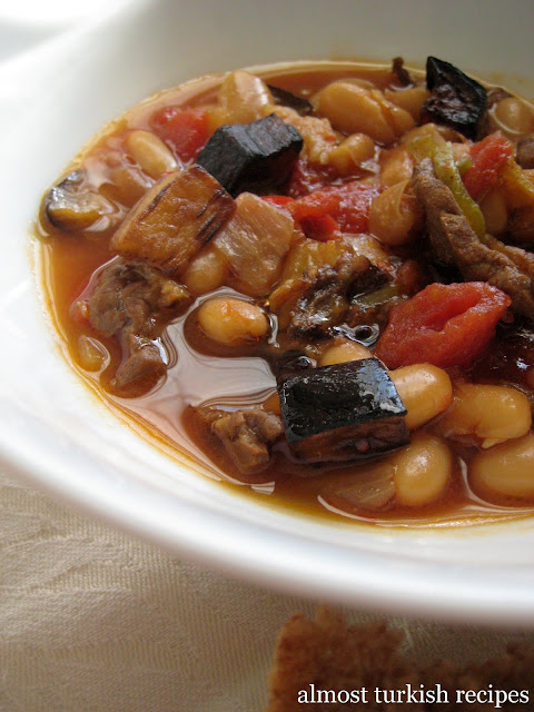 Cannellini Beans With Eggplant (Patlıcanlı Kuru Fasulye)