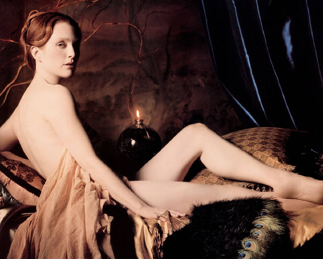 http://3.bp.blogspot.com/_2_n74bWFtA0/S8WYWc0mgUI/AAAAAAAAAKI/B42wqg57fgU/s1600/Julianne-Moore-julianne-moore-253347_1280_1024.jpg