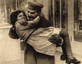 """Kızı Svetlana Alliluyeva'nın ağzından: """"Stalin'in ölümü"""""""