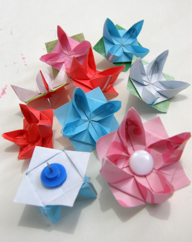 Origami Waterlily Tack pins title=