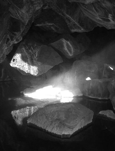 cueva de grat cerca de myvatn