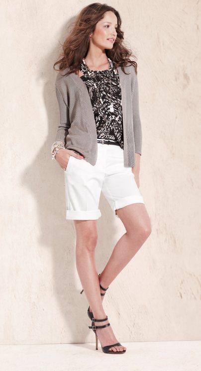 Yaşasın beyazlık yaşasın yaz işte beyaz pantolonlarla