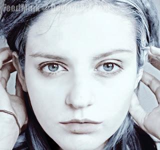 Alejandra's Blog (:: Portrait and Self-Portrait tips and ideas  Selfportrait