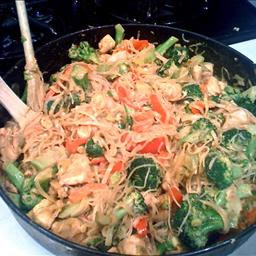 Pasta Chicken Noodles with Broccoli Peanut Sauce