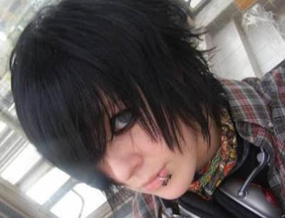 emo boy hairstyles. Very nice black emo hairstyle