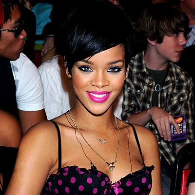 rihanna pink hair. Determined to throw SOME pink