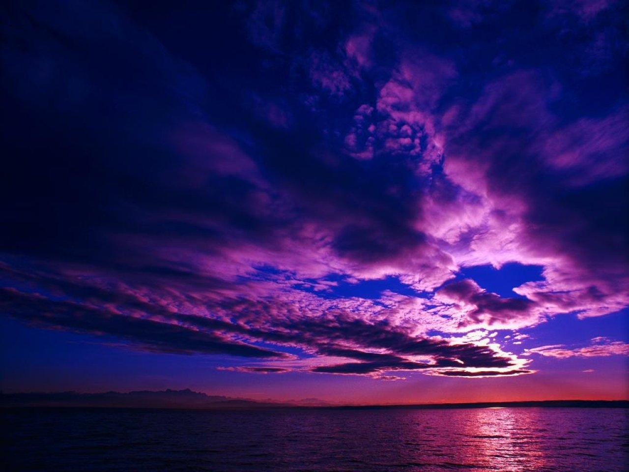 http://3.bp.blogspot.com/_2k-NXSh3-K0/TKJHnE1uqmI/AAAAAAAAABw/ZlAlW6zvPXU/s1600/25_PurpleSky_scenic_wallpaper_x.jpg
