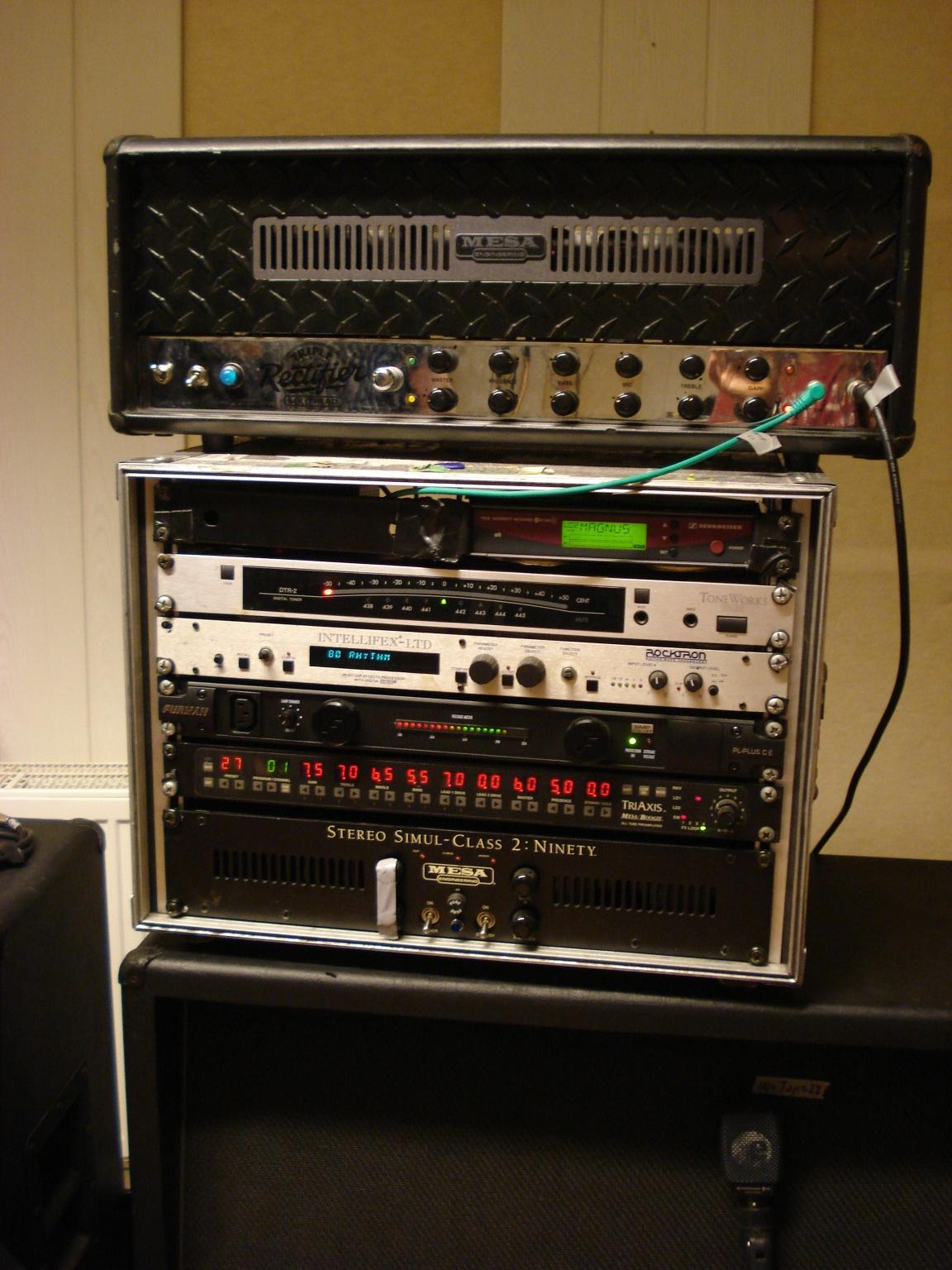Amp+%26+Rack.JPG