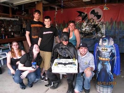 Ajándékozzunk! Mike+batman+birthday+2