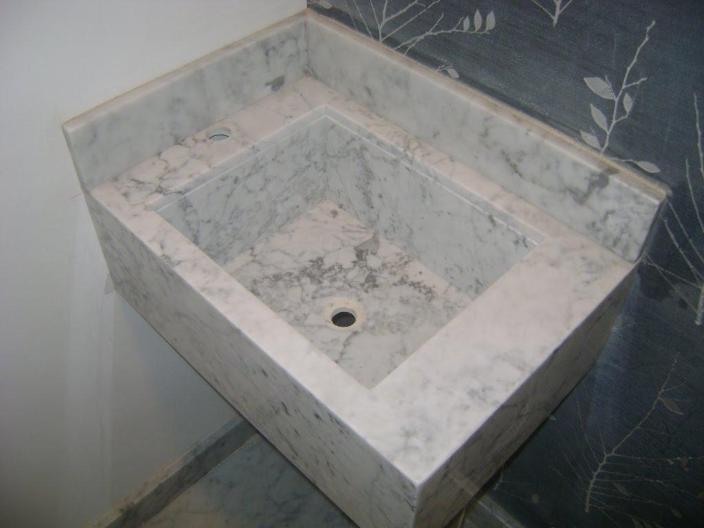 Piso Lavatório e Cuba em Mármore Carrara Gióia. #4A5158 1024x768 Bancada De Banheiro Em Marmore Carrara