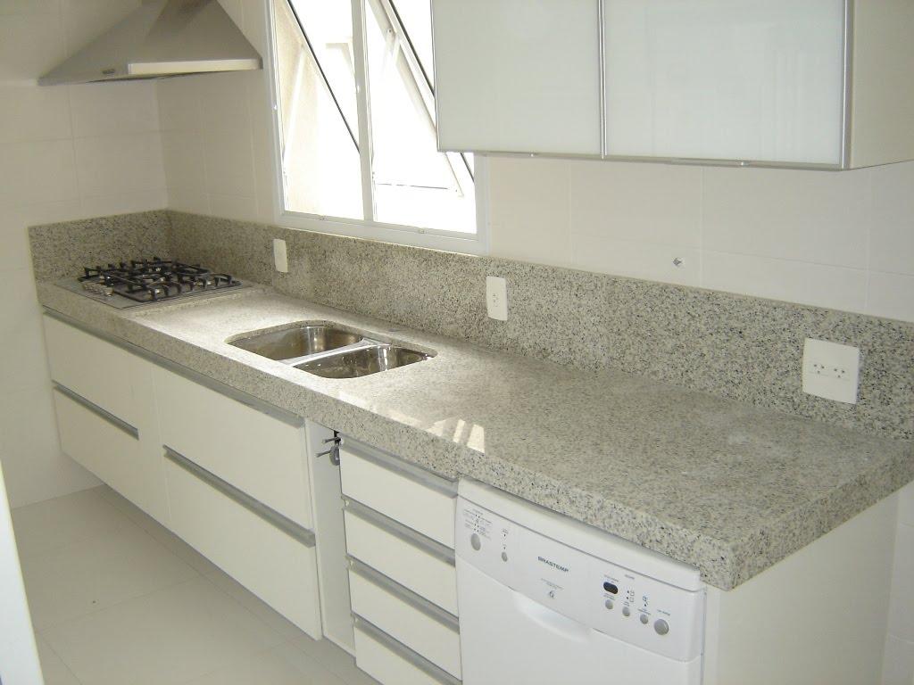 #58513C Pia de Cozinha em Granito Branco Polar 1024x768 px Banquetas Para Cozinha Americana Leroy Merlin_2821 Imagens
