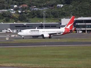 Boeing B737-838, VH-VXO, Qantas