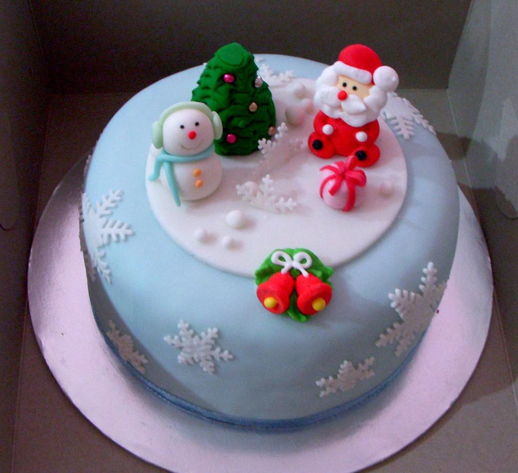 Bearylicious Cakes Snowflake Blue Christmas Cake