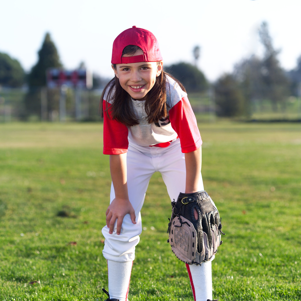 methods for playing a softball game 24)umpires make the decisions about play in a softball game the number of umpires in the number of umpires in a game can range from a minimum of one to a maximum of seven.
