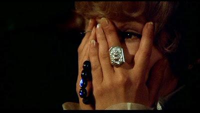 Barbara Harris in Complotto di Famiglia
