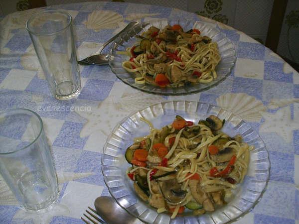 platos de tallarines