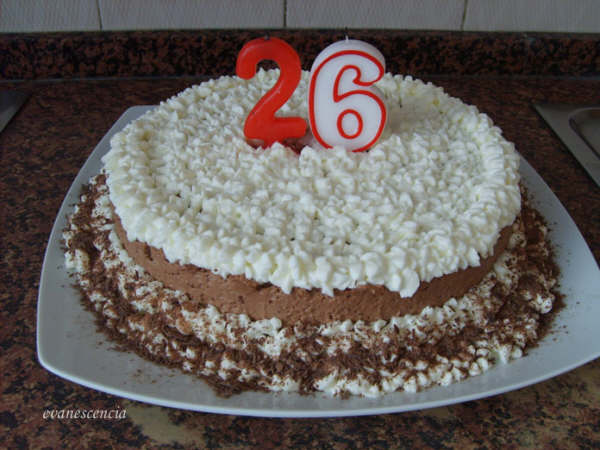tarta mousse de chocolate con velas