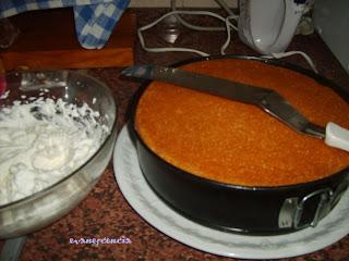 cubrir tarta con nata montada