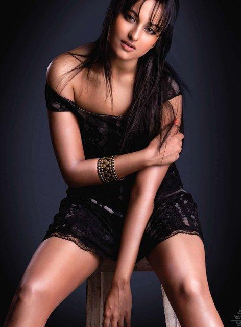 BOLLYWOOD HOT ACTRESS SONAKSHI SINHA sIZZLES SEXY PHOTOSHOOT MAXIM INDIA