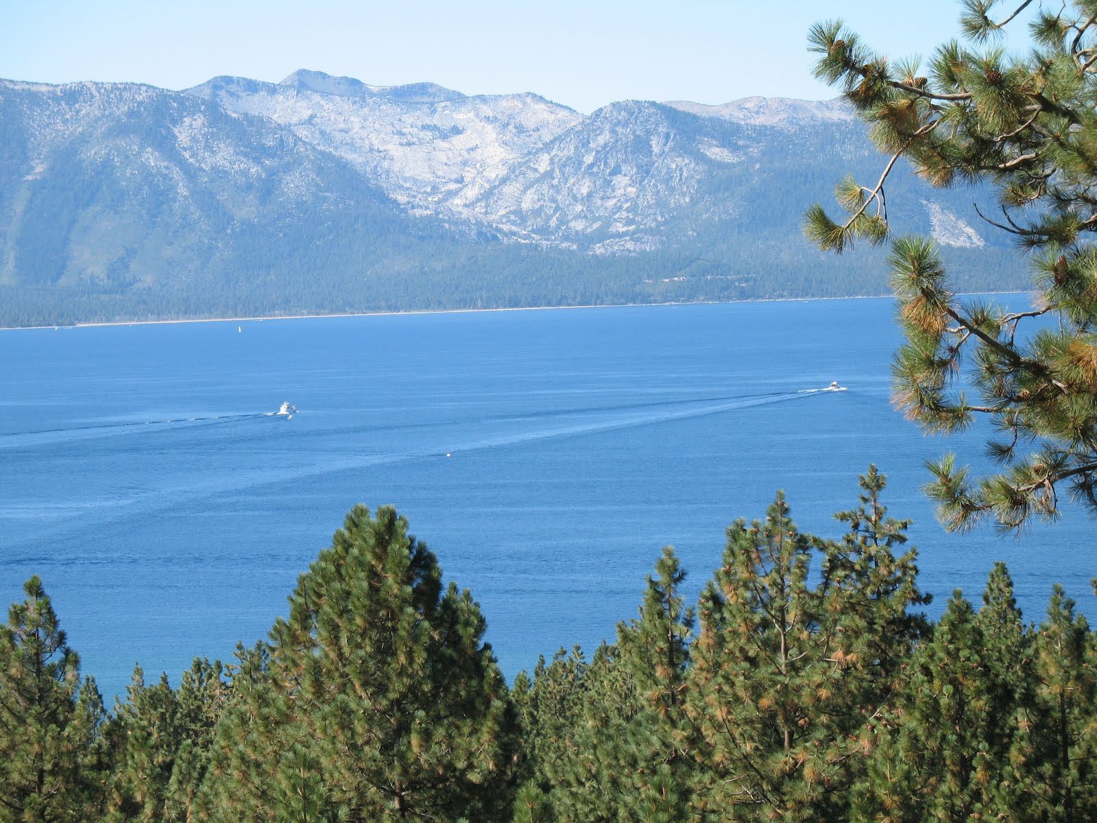 [Tahoe+from+Lakeview+Dr.+2.JPG]