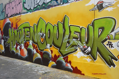 Street Art, par le Collectif  Hauts en couleur, Dépôt de bus RATP, Rue des Pyrénées, Paris, week-end des 24 et 25 avril 2010 - Photos Thierry Follain, Blog with a View : blog-with-a-view.blogspot.com -5
