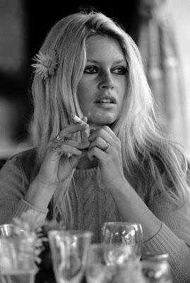Brigitte Bardot, BB, Bardot, Bardot, la fleur dans les cheveux - Blog with a View