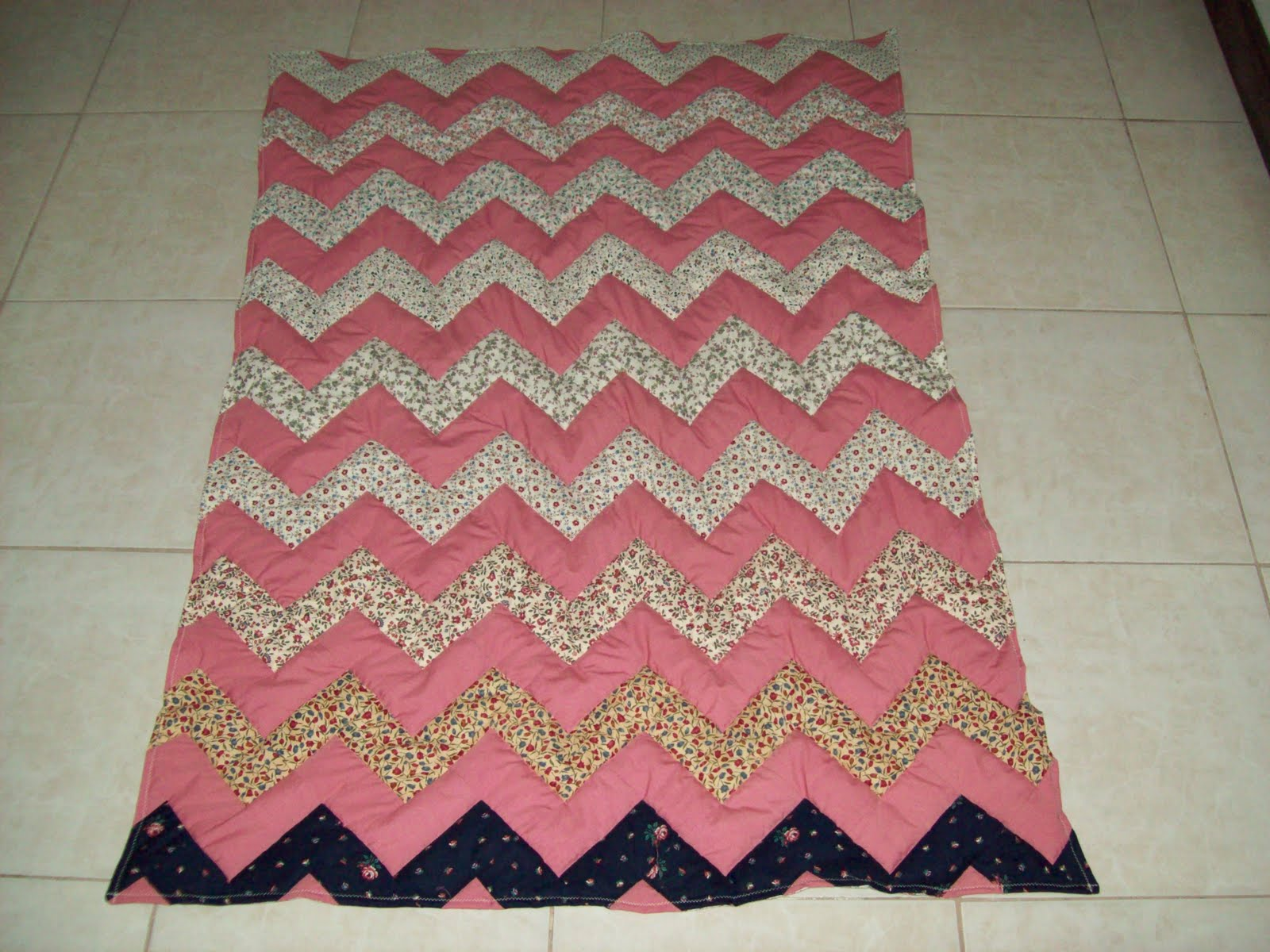 Zig Zag Quilt Pattern No Triangles : Sew Fun to Quilt!: No Triangle Zig Zag Quilt