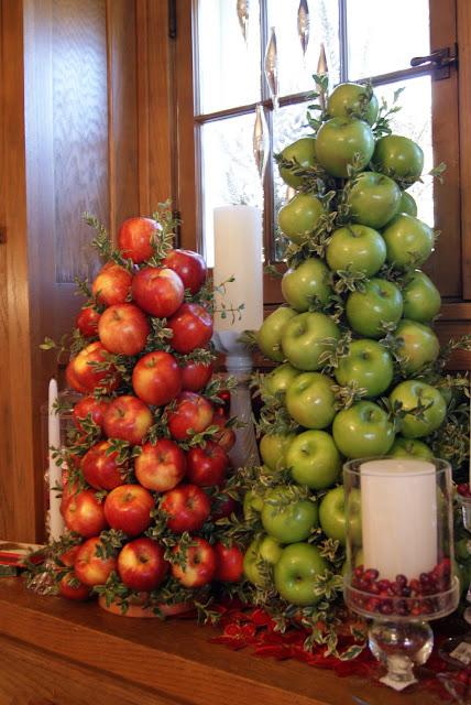 коледна елха с ябълки