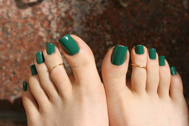 polished tips and toes