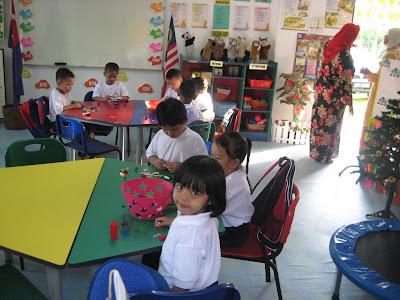 Hari Pertama Nurin Iman Di Sekolah!