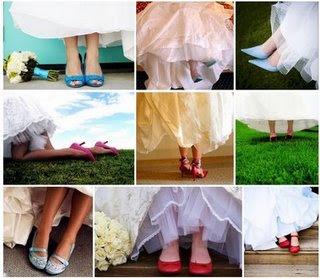 http://3.bp.blogspot.com/_2v_BhdCRHL0/SRkEu3VsF_I/AAAAAAAAAOk/XptF1qjjT_o/s400/colored+shoes.jpg