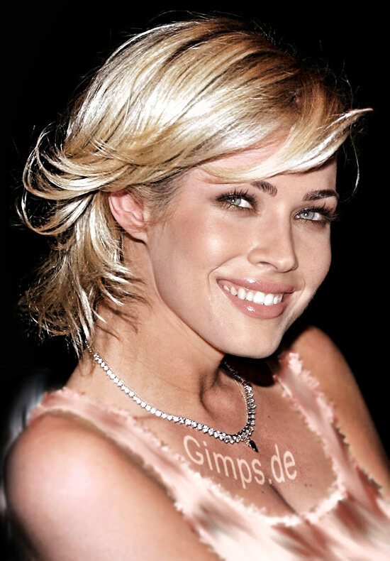 short hair blonde color