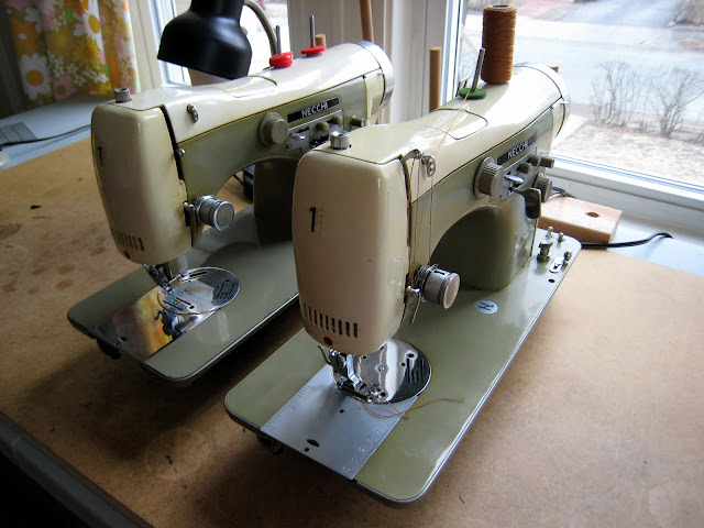BrianSews Necchi Supernova BU X40 Classy Old Necchi Sewing Machine