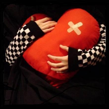 poemas de corazon roto. corazones