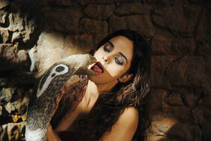 hot indian cine celebrities mallika sherawat in hiss
