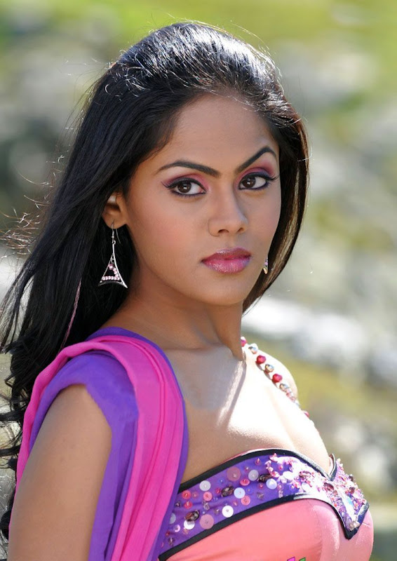 Photos Tamil Actress Karthika In Ko Movie New PhotogalleryStills Photoshoot images