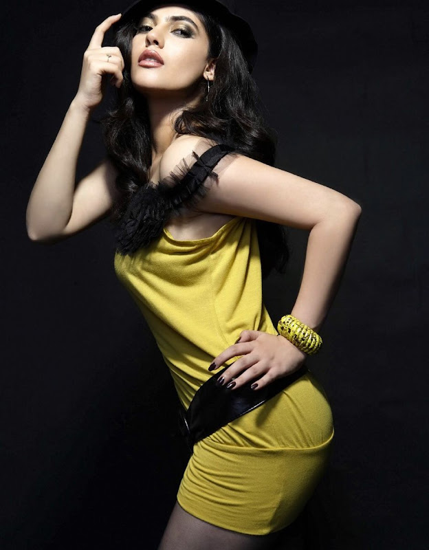 Photos Actress Sherin Hot Photoshoot PicsSherin Latest Hot Stills gallery pictures