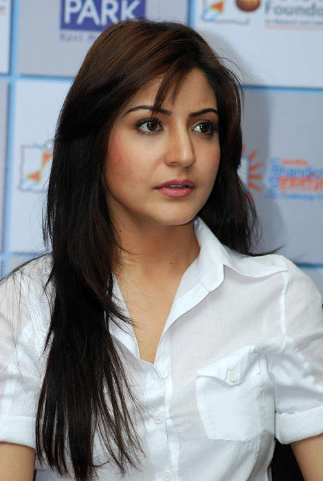 anushka sharma at handicrafts promotion latest photos