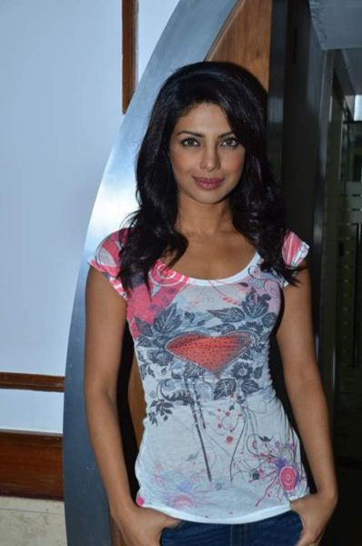 Priyanka Chopra At Radiocity  Khoon Maaf Promotioon PhotogalleryStills cleavage