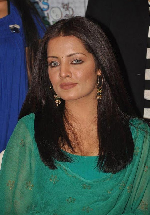 Celina Jaitley in green Patiala Shirt Salwar - Indian fashion wearimages