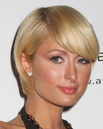 Short hairstyles are now in and Paris Hilton is one of the top celebrities