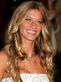 hairstyle works best for those women who have an oval shaped face.