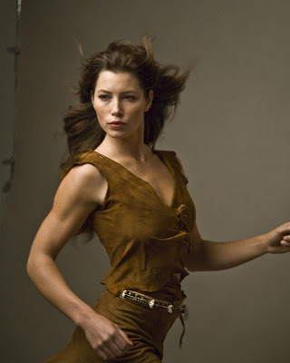 If you have seen the sexy super long curls and waves of Jessica Biel,