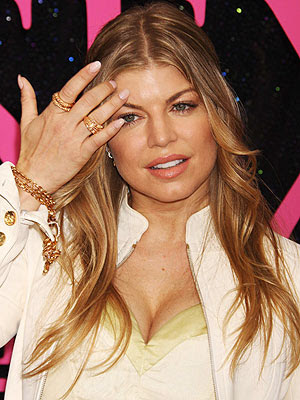Fergie and Beyonce Nails Art Design 2010