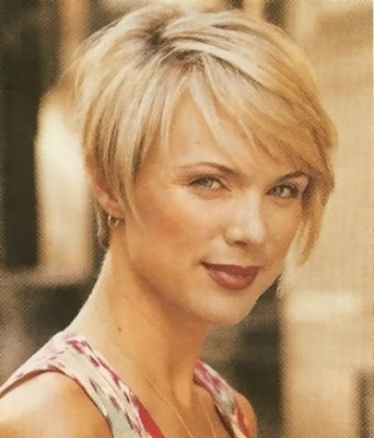 Labels: 2009 short hairstyle, 2009 Short hairstyle with bangs, bangs,