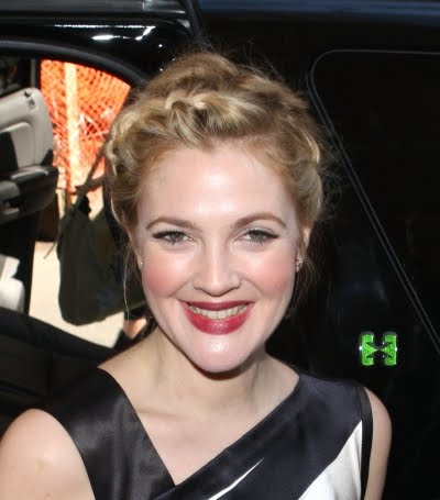 drew barrymore short hairstyles. Drew Barrymore Cute Updo Hairstyles Picture