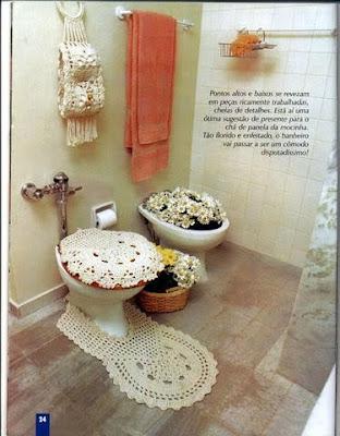 Juego de baño blanco redondo tejido a ganchillo o crochet.