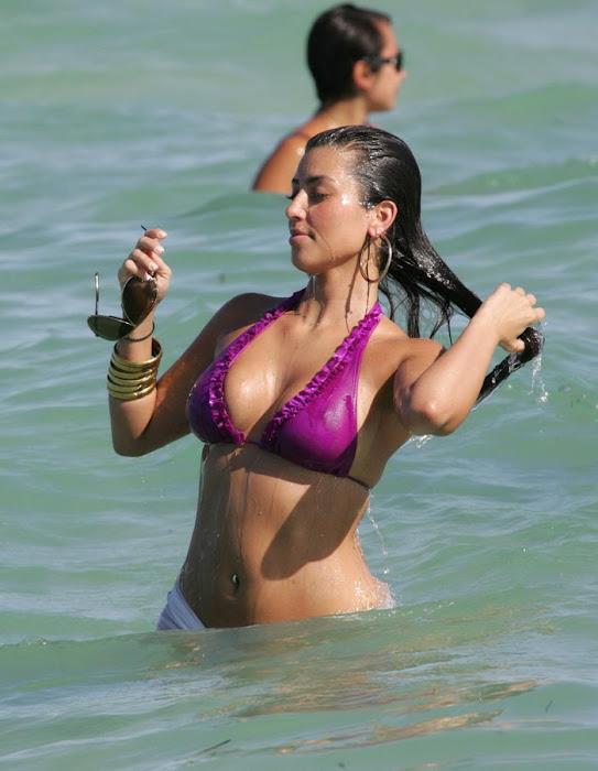 kim kardashian in bikini unseen pics