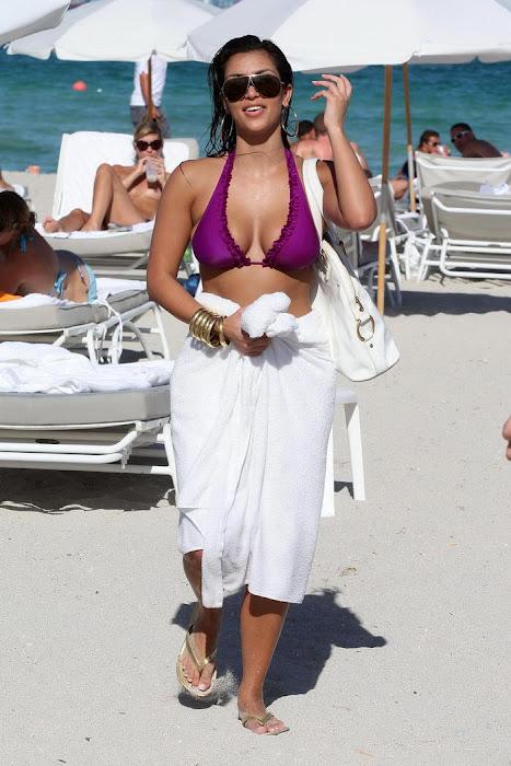 kim kardashian in bikini hot images
