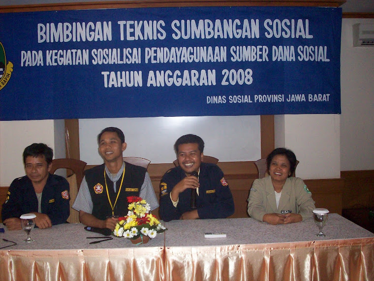 Diskusi Panel Yang di pimpin KT Kota Cirebon